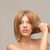 头发干枯毛躁怎么办 实用护发小偏方推荐