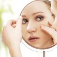 眼部皱纹是如何形成的 如何去除眼部皱纹