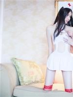 李丽莎姐妹护士装半裸诱惑系列高清写真