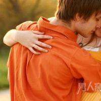 女生喜欢男生的暗示 女人爱上男人常见的十种现象