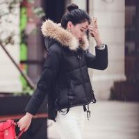 女生短款加厚羽绒服搭配技巧图片示范 教你怎么穿显高保暖