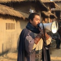 张若昀新剧《霍去病》片场花絮曝光 大唱《江南皮革厂倒闭了》