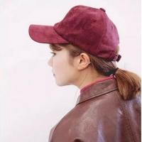 选择合适的发型很重要 搭配帽子让你潮出范