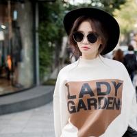 带帽子休闲卫衣女装搭配图片 卫衣的与众不同有目共睹
