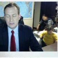 BBC新闻直播主播儿女乱入 留下主播一人欲哭无泪