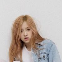 朴彩英出演《蒙面歌王》 开口跪被粉丝猜出身份