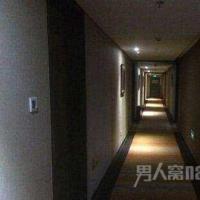 男子住酒店两天用70度电 酒店要求其交电费