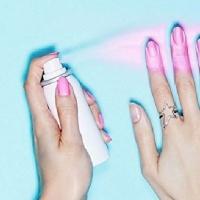 新指彩变魔术 颜料喷洒指尖释放美丽