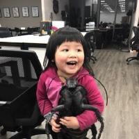 2岁妮妮high唱快乐版蓝瘦香菇 狂飙高音海炸