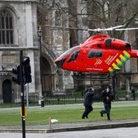 伦敦恐袭事件 碧咸撑伤者 巨胸佐敦话似电影场面被围剿