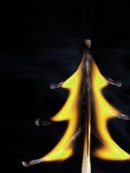 让燃烧的火柴瞬间变成精美作品 大开脑洞的创意摄影